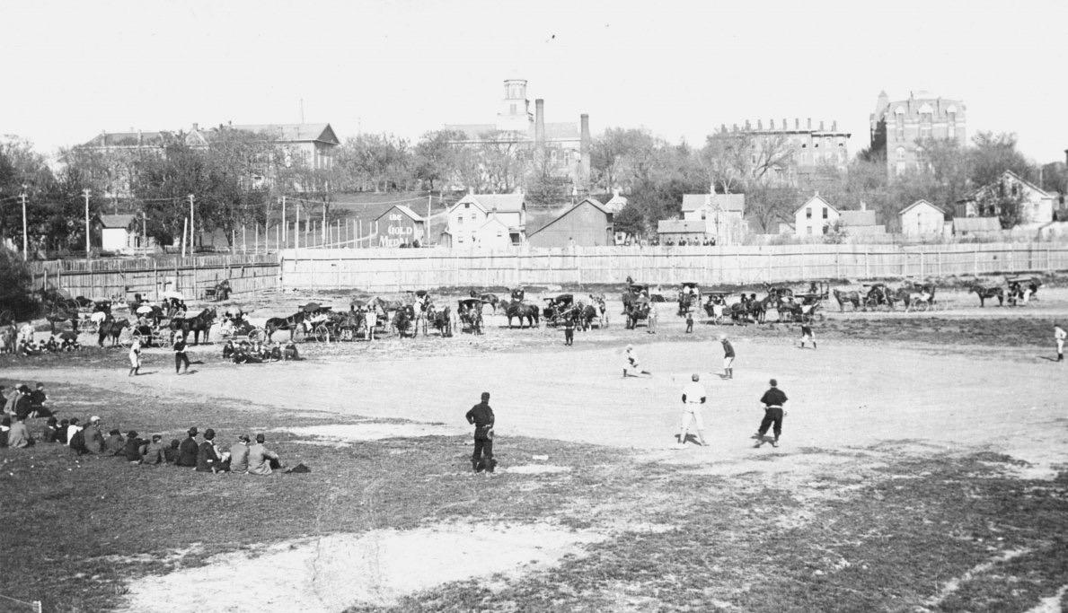 1895-OldIowaField
