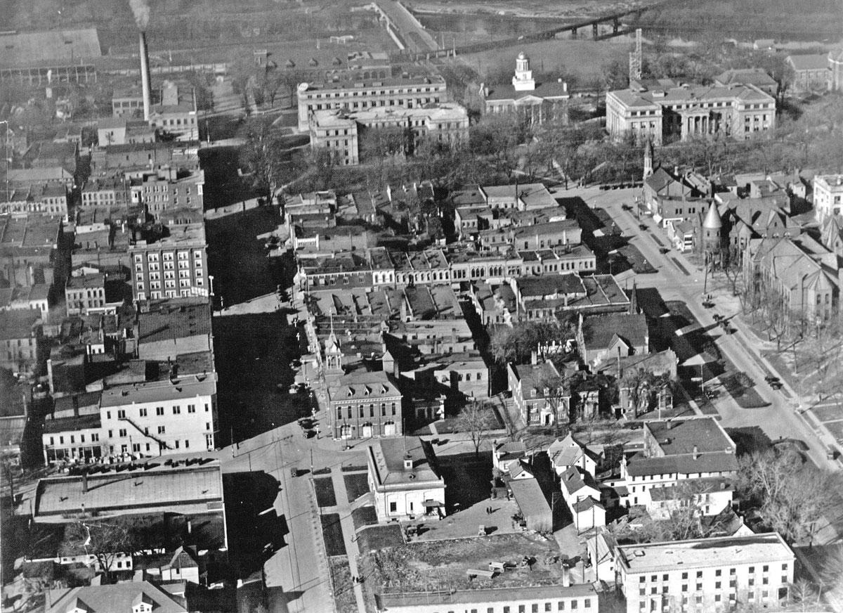1923 Iowa City airview
