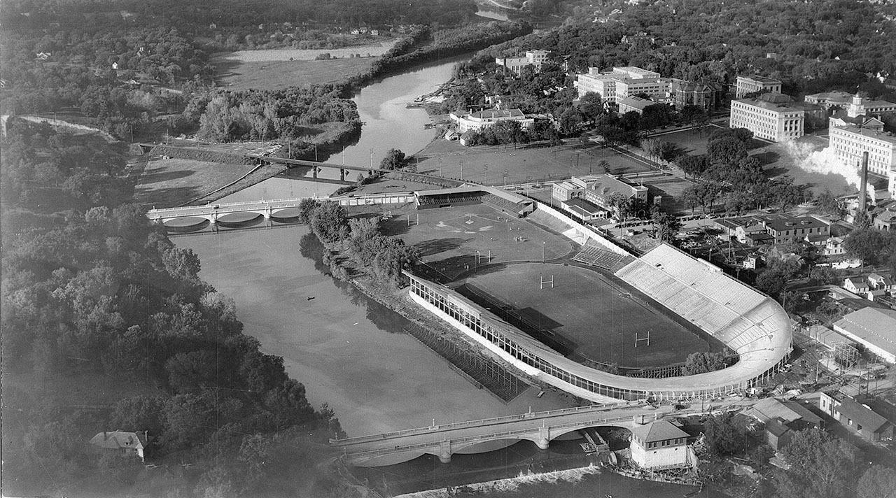 1925-pentacrest-iowafield
