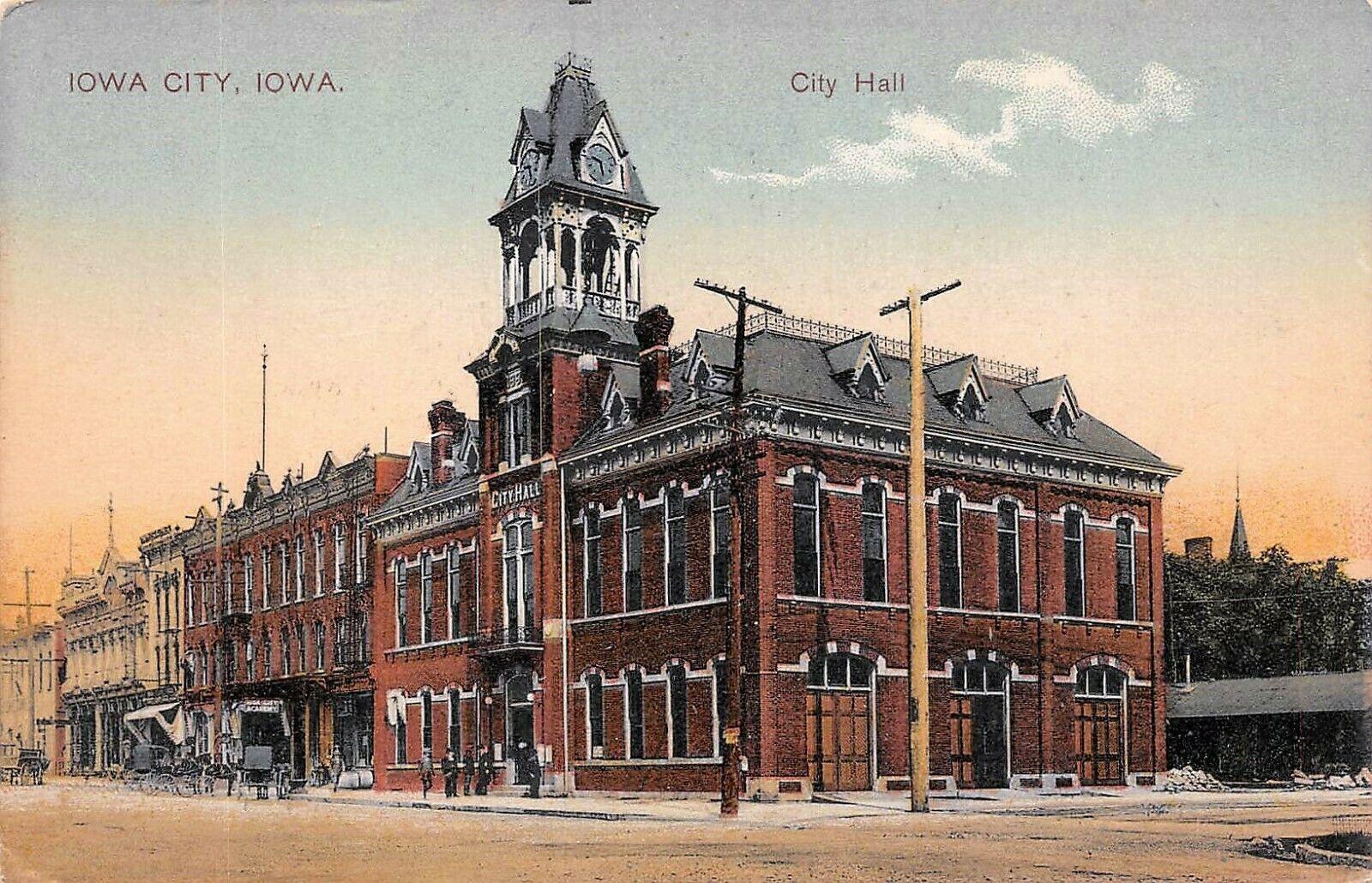 204-1900-CityHallPostcard