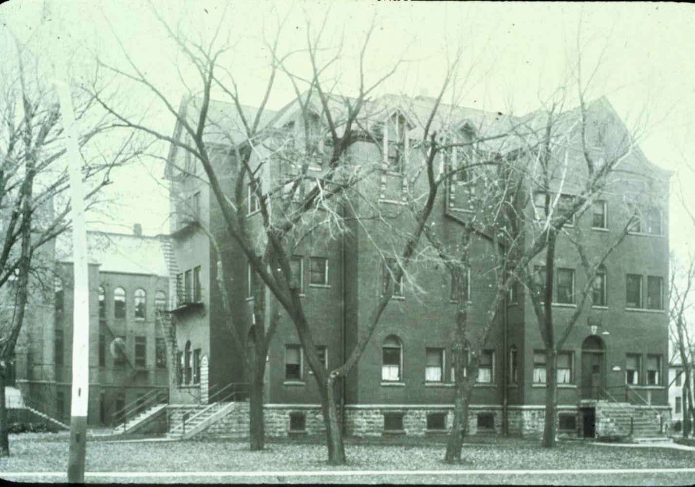 11-1895-homepathichospital