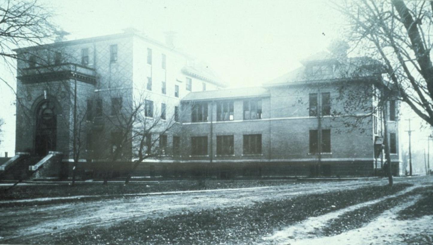 14e-hospital-easthall
