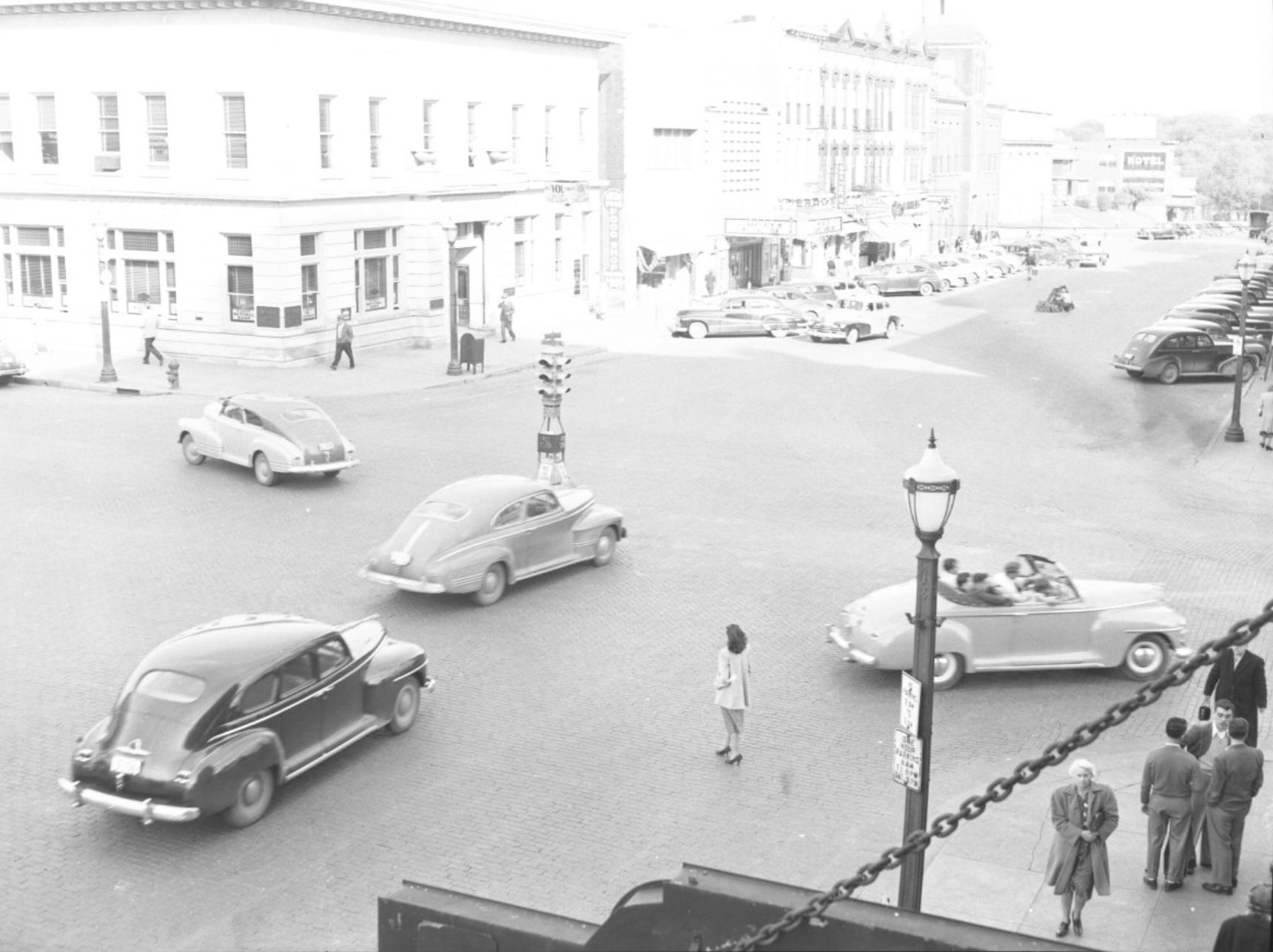 1950sWashingtonDubuquelookingeast